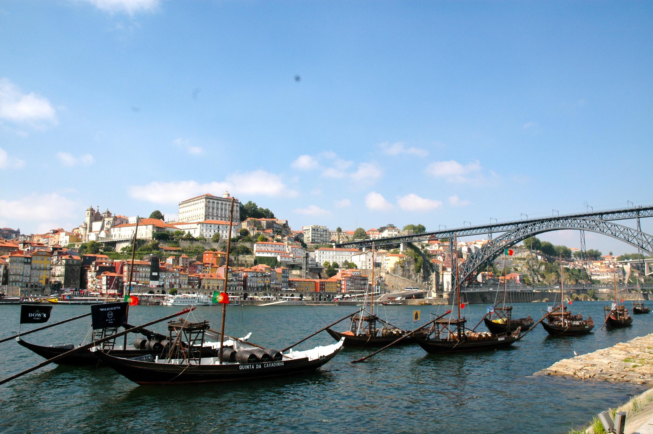 Cidade do Porto, o vinho não é de lá