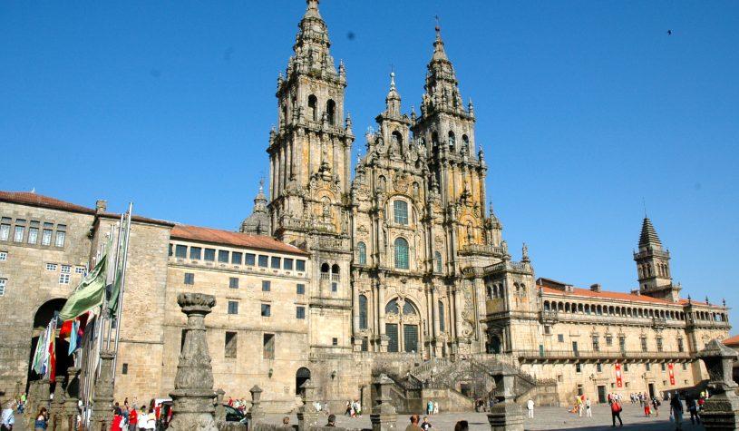 Santiago de Compostela, a fé vai a pé
