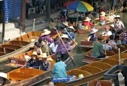 O Mercado Flutuante da Tailândia
