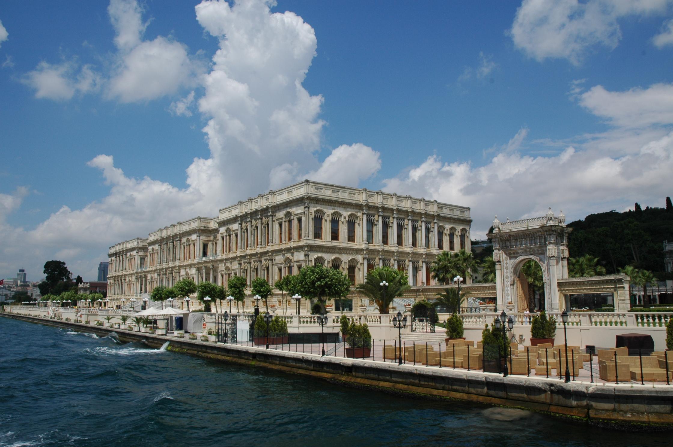 O Bósforo e seus palácios maravilhosos