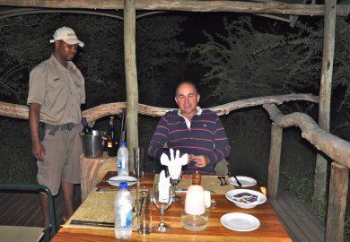 Jantando com Leões na Namíbia