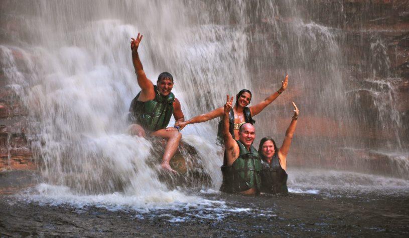 A Cachoeira do Buracão em Ibicoara, uma paisagem cinematográfica