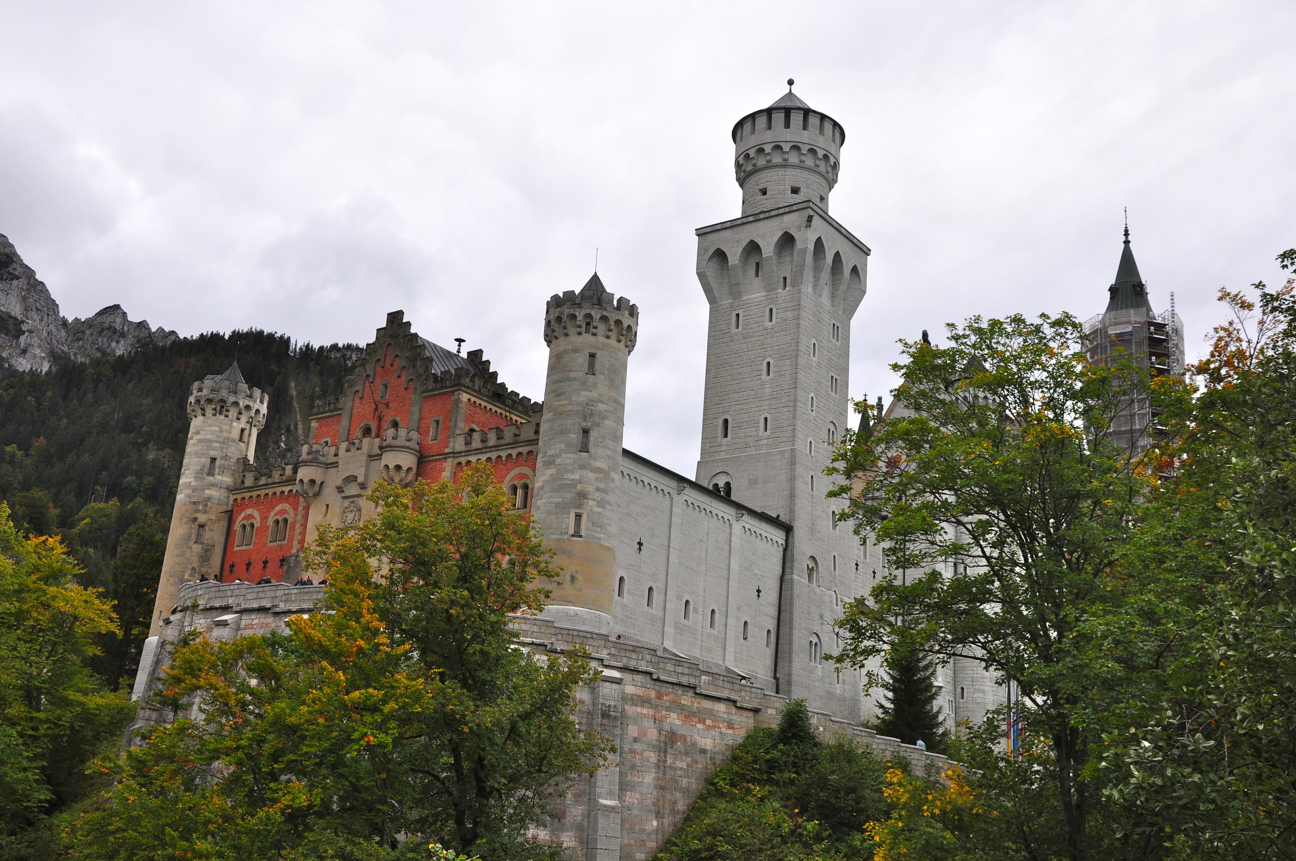 """Neuschwanstein, o castelo dos """"Cavaleiros do Cisne"""""""