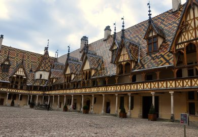 A cidade de Beaune na Borgonha e o incrível Hotel-Dieu