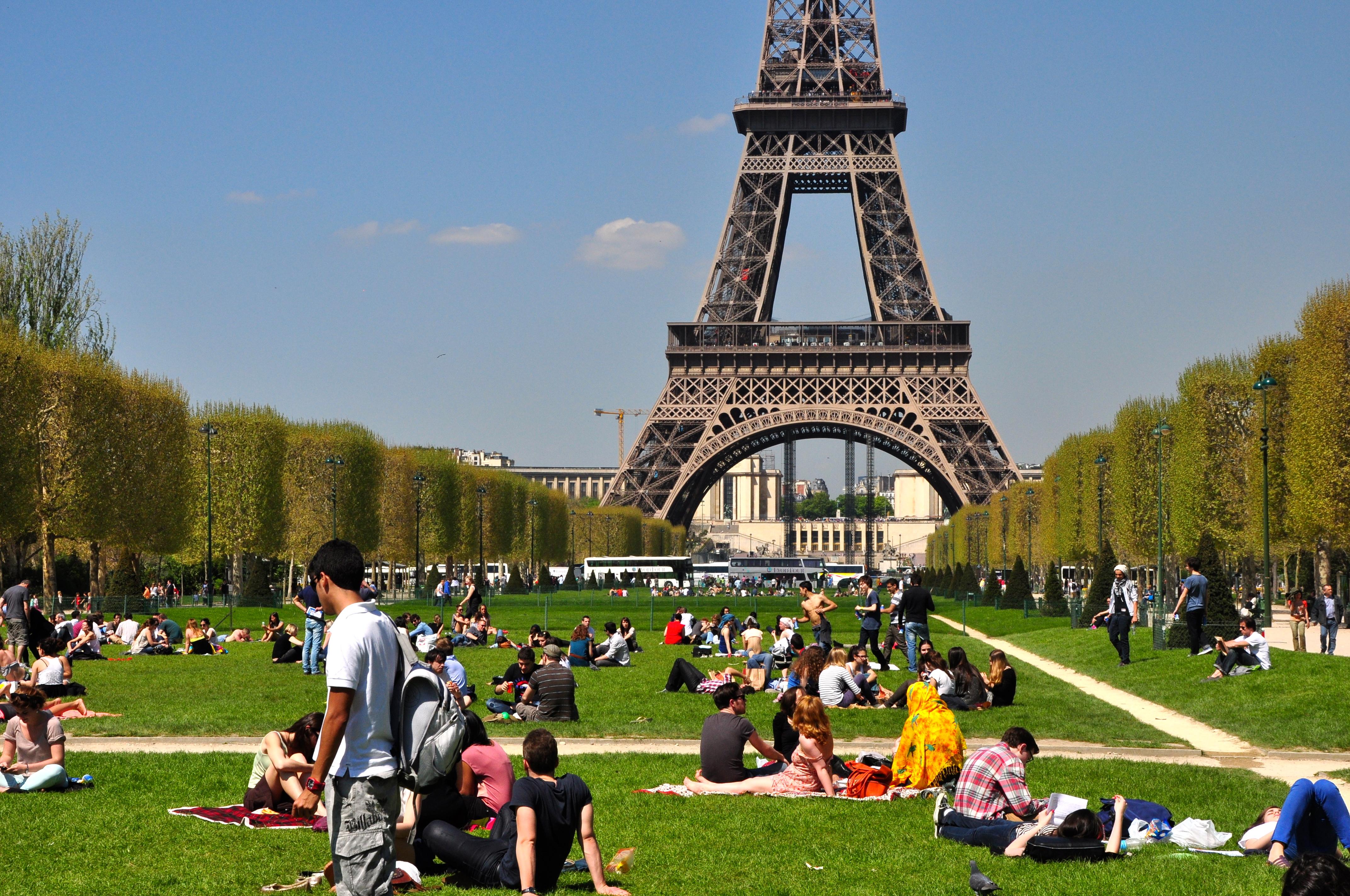 A Torre Eiffel e o Campo de Marte