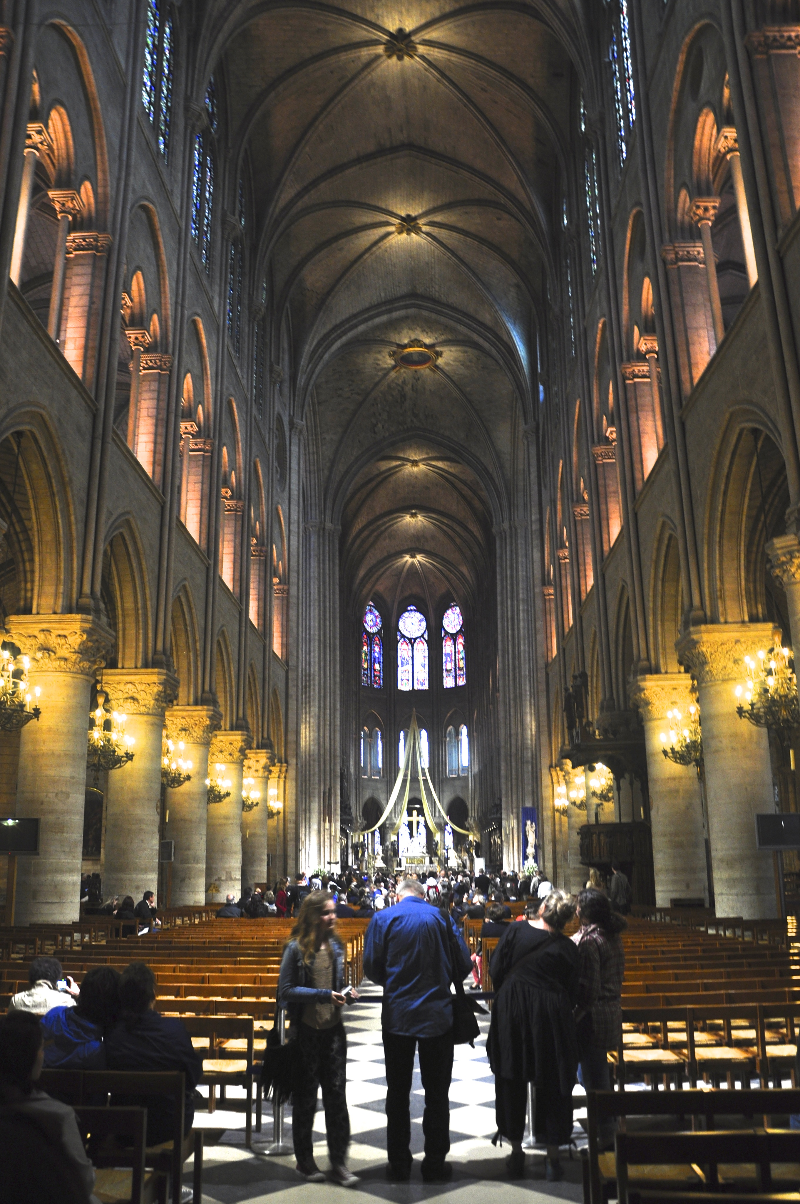 A catedral de Notre Dame e a Place des Voges