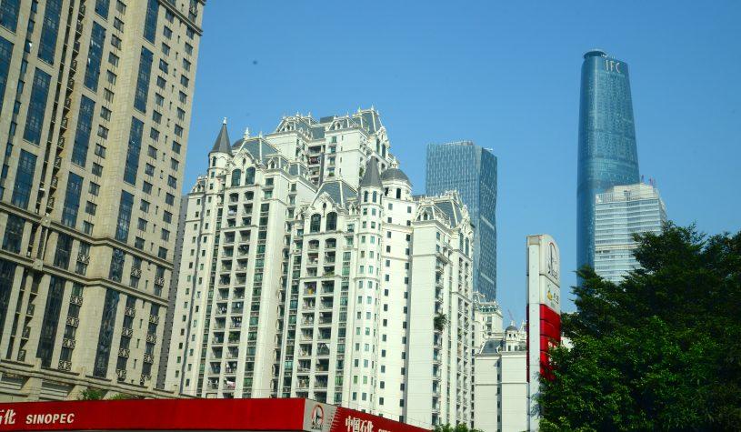 """Guangzhou (Cantão), o paraíso da """"pirataria""""."""