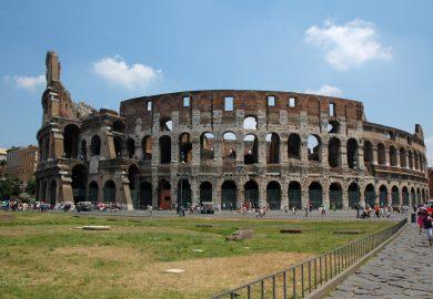 Coliseu e Fóruns Romanos