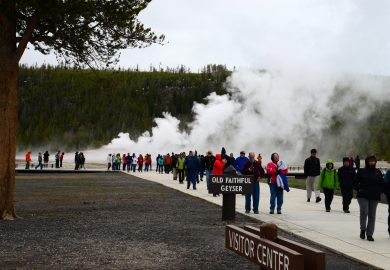 Chegando ao complexo do Old Faithful no Yellowstone