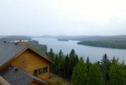 O Sacacomie Lodge no meio da floresta boreal canadense