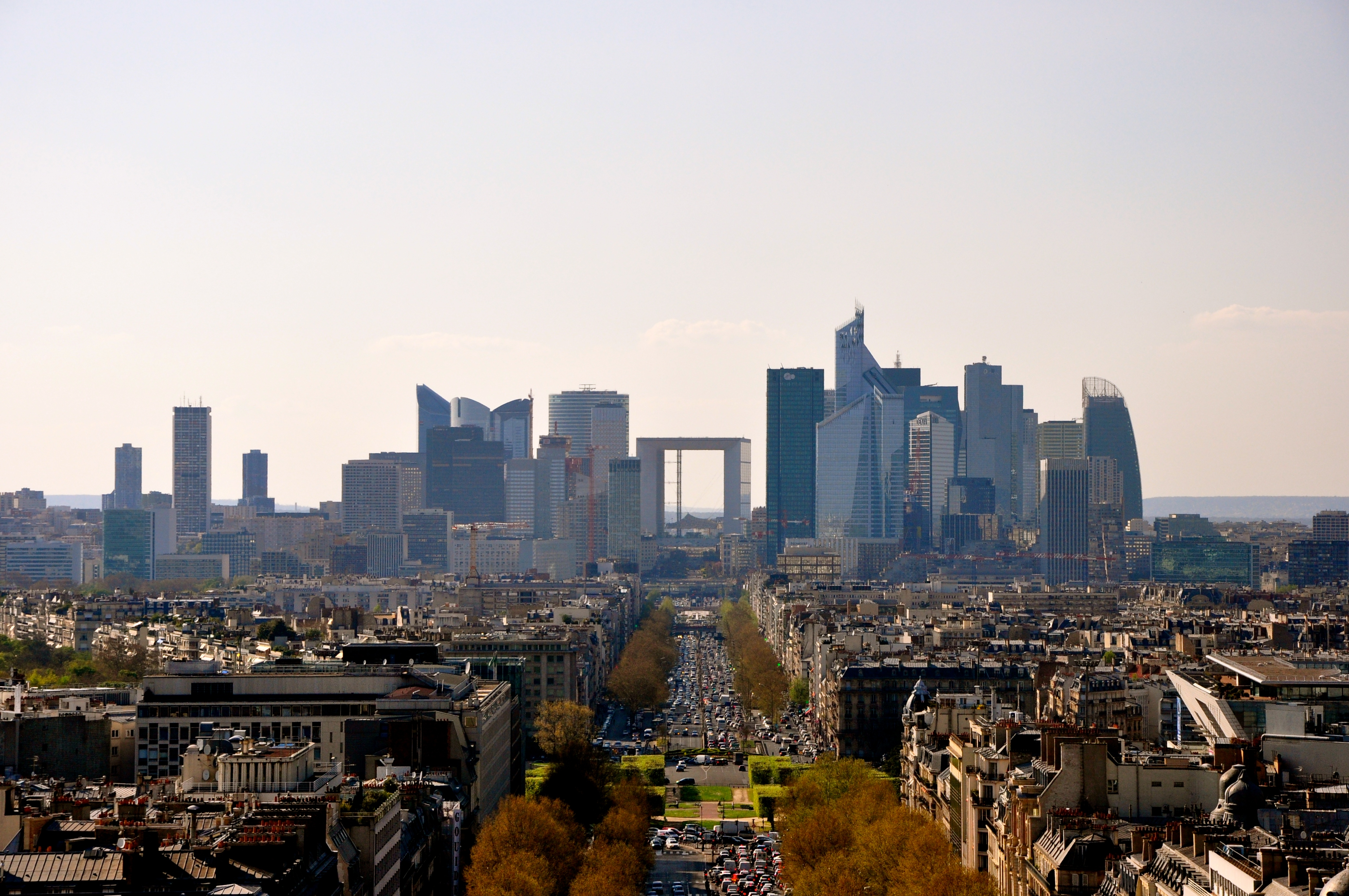 O Arco de La Défense e o Parc La Villette