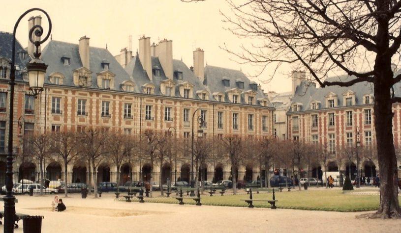Place des Voges e Champs-Elysées