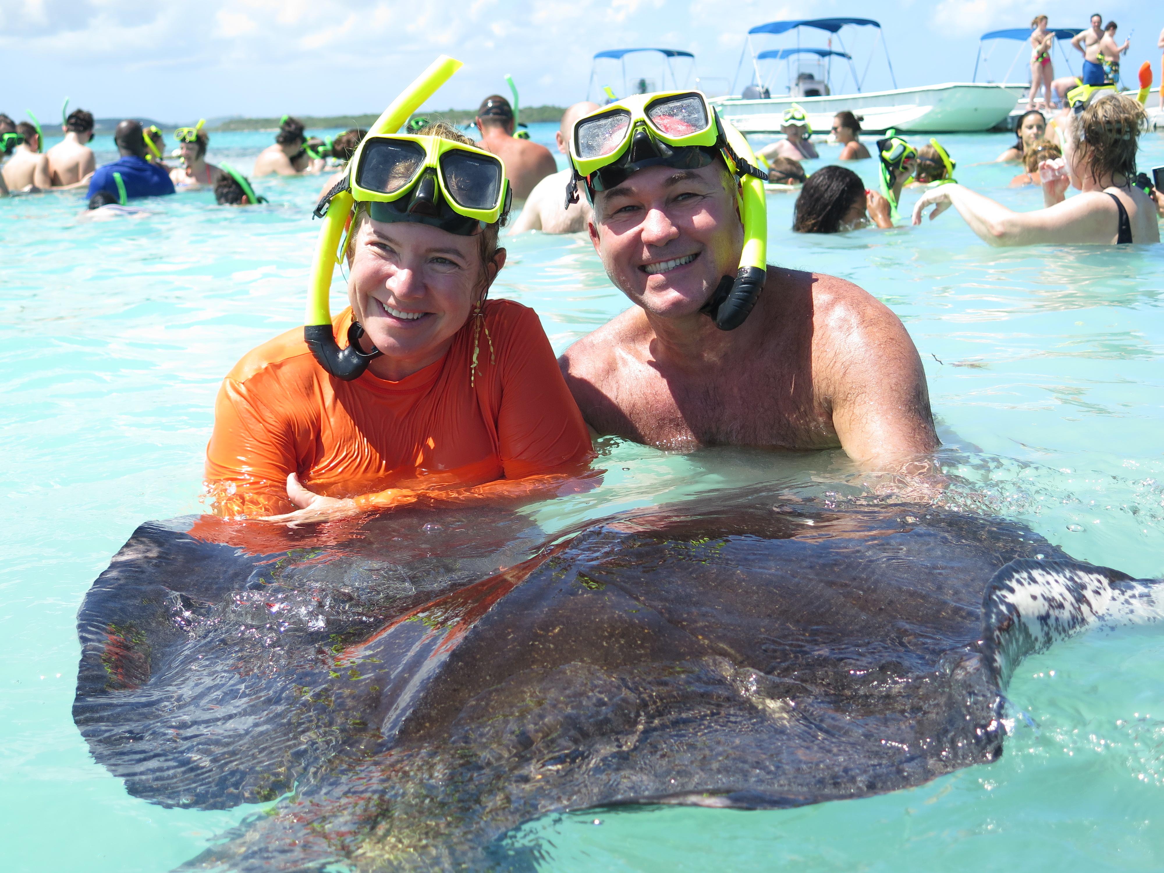 Nadando com as arraias em Antígua