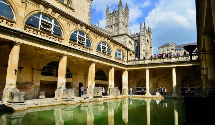 A cidade de Bath e o sítio arqueológico de Stonehenge