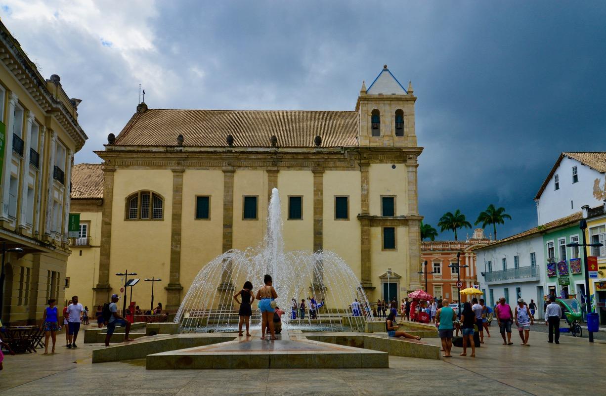 A Praça da Sé e O Terreiro de Jesus