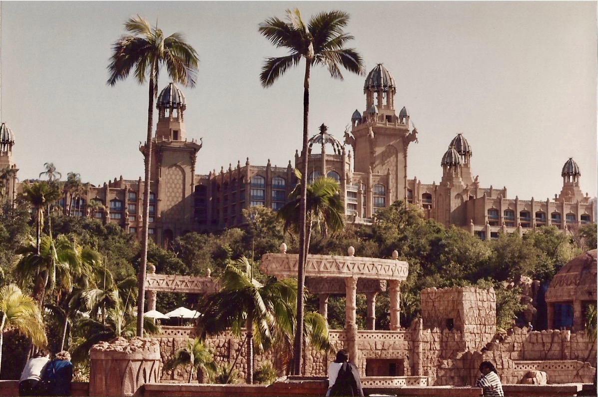 "O ""The Palace of The Lost City"""
